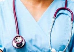 Çocuklarda Kronik Ürtiker Tedavisi için Hangi Doktora Gidilmelidir